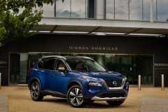 2021-Nissan-Rogue_Blue-18-1200x719