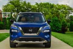 2021-Nissan-Rogue_Blue-28-1200x859