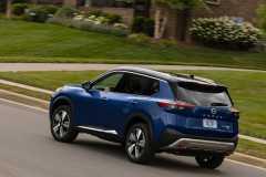 2021-Nissan-Rogue_Blue-9-1200x831